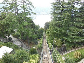 Brunate - Image: Como–Brunate funicular October 2012 05