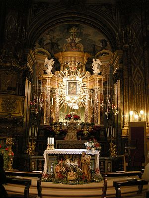 Santuario della Consolata - Altar with icon of the Virgin of the Consolation.