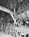 foto van Boerderij onder met riet en pannen gedekt wolfdak