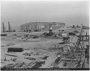 Treasure Island, San Francisco - Image: D 3135 3 4 37 Yerba Buena Shoals. View easterly from top of aggregate bunkers. NARA 296382