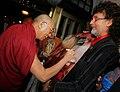 Dalai Lama Signierung.jpg