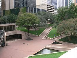 Dallas Thanks-Giving Square 2008.jpg