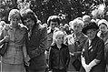 De op de begrafenis aanwezige familie en kennissen, waaronderJennie Williamson …, Bestanddeelnr 928-0669.jpg