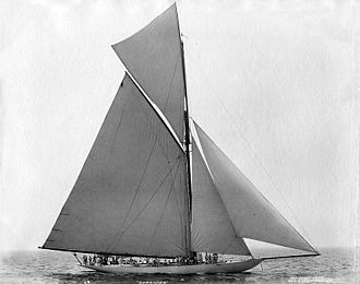 Defender (1895 yacht) - Defender on July 20, 1895, six weeks before the 1895 America's Cup.
