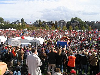 Museumplein - Demonstration against government policies in 2004