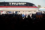Donald Trump plane (23716369611).jpg