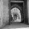 Doorkijk naar de gebedsnis van de profeet op de Tempelberg, Bestanddeelnr 255-5448.jpg