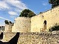 Dourdan (91), château, tour d'angle sud-ouest et tour centrale de la courtine sud 3.JPG