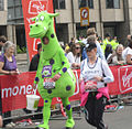 Dragon - London Marathon 2011 (5630105095).jpg