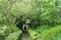 Dunkeswell - church path.jpg