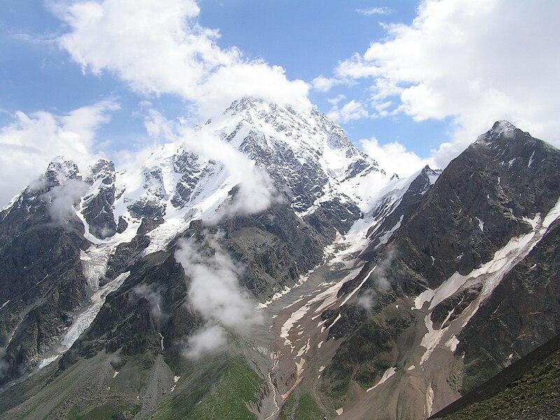 Dykh-Tau, 5.203 m, en la Rusia europea