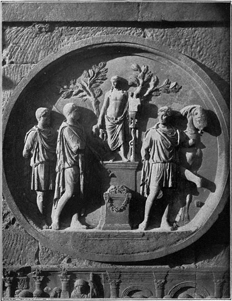 EB1911 Roman Art - Medallion, Arch of Constantine.jpg