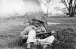 ETH-BIB-Baron Rothschild mit Gewehr-Kilimanjaroflug 1929-30-LBS MH02-07-0480.tif