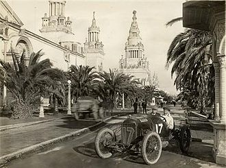 Eddie Rickenbacker - Rickenbacker driving in the 1915 American Grand Prize at San Francisco.