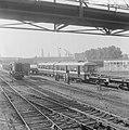 Eerste metro treinstel gearriveerd op Vierhavenstraat, Bestanddeelnr 919-2622.jpg