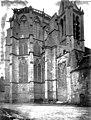 Eglise - Abside, au nord - Saint-Sulpice-de-Favières - Médiathèque de l'architecture et du patrimoine - APMH00036045.jpg