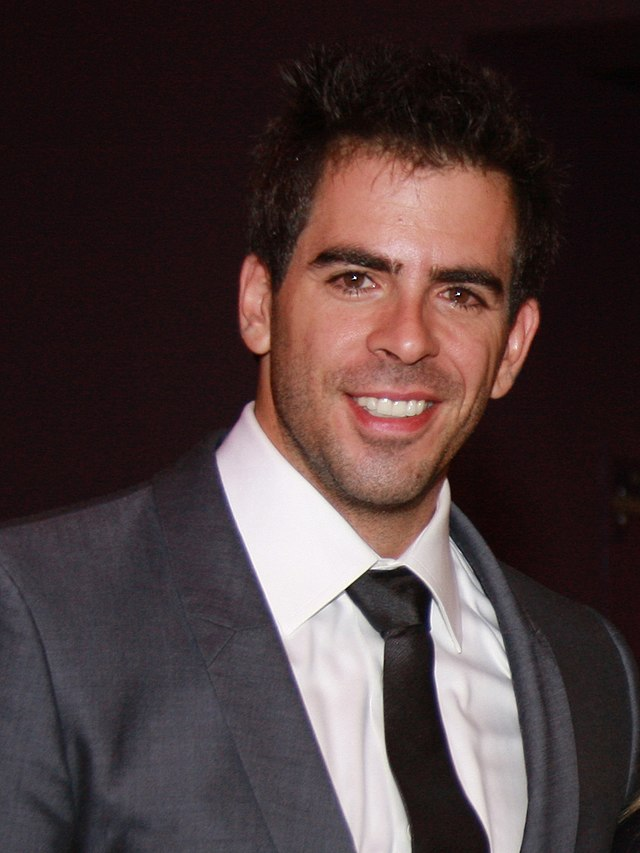 The 45-year old son of father Dr. Sheldon Roth and mother Cora Roth, 182.88 cm tall Eli Roth in 2017 photo