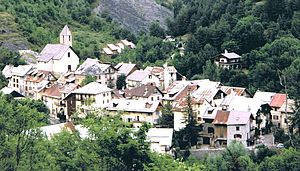 Entraunes - A general view of the village