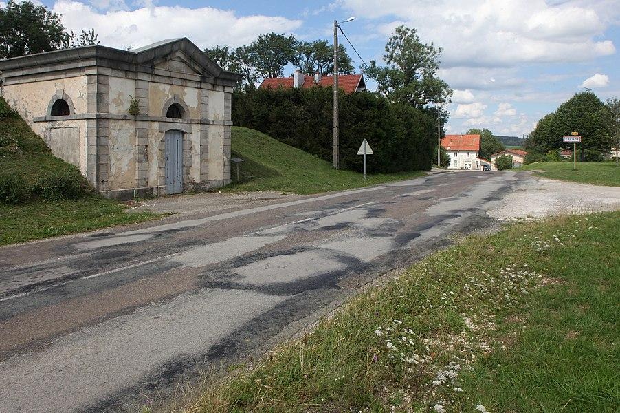 Entrée d'Épenoy (Doubs).