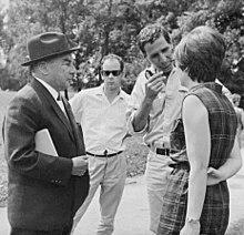 erich kstner links 1968 bei dreharbeiten in mnchen - Erich Kastner Lebenslauf