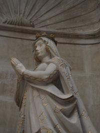Escultura de Beatriz de Suabia.JPG