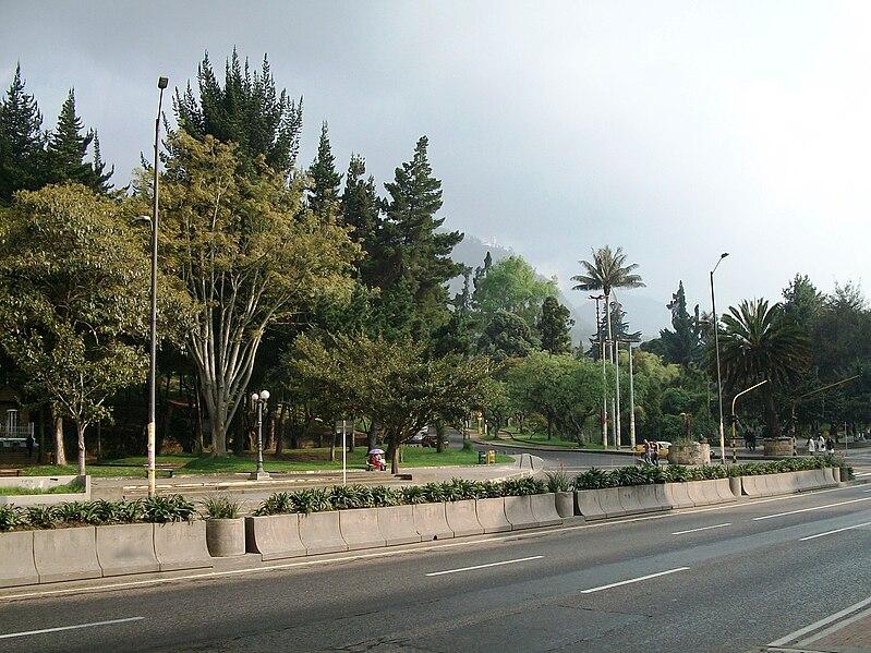 File:Extremo noroccidental del Parque Nacional de Bogotá.JPG
