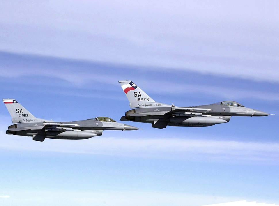 F-16Cs Texas ANG in flight 2002.JPEG