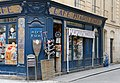 F1884 Paris II rue Montorgueil rue Leopold-Bellan borne historique rwk.jpg