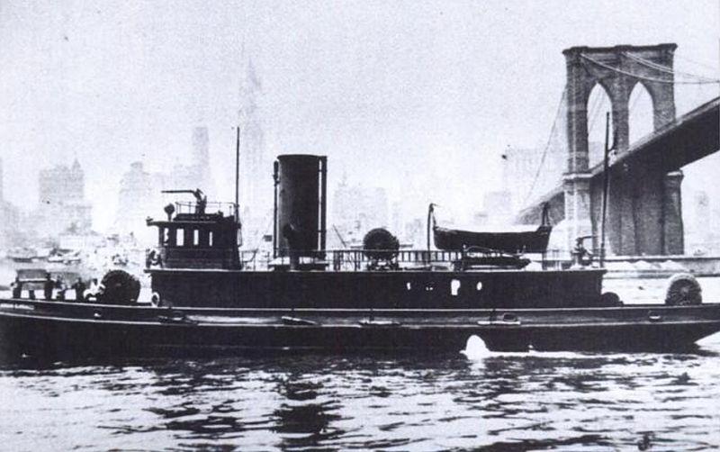 File:FDNY fireboat Abram S. Hewitt passes under the Brooklyn Bridge in 1903.jpg