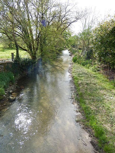 La rivière Trézence à Tournay (commune de Puyrolland).