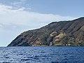 Faro di Gelso isola di Vulcano visto dal mare by Stephen Kleckner.jpg
