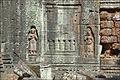 Fausse fenêtre et Devatâ(s) du temple Ta Som (Angkor) (6827056762).jpg