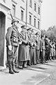 """Fo30141711140052 """"Reservebataljon Holmestrand paraderer for Quisling på Slottsplassen"""" 1942-06-14 (NTBs krigsarkiv, Riksarkivet).jpg"""