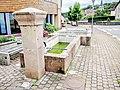Fontaine, près de l'école. (1).jpg