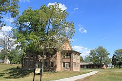 Fort malden exhibits building and restored barracks.JPG