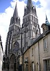 France Bayeux Cathedral facade c.JPG