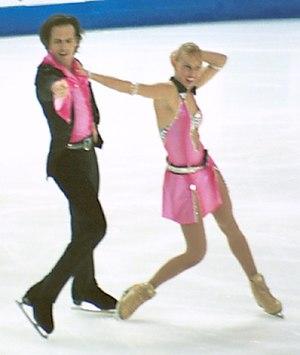 Barbara Fusar-Poli - Fusar-Poli and partner Maurizio Margaglio compete at the 2001 Grand Prix Final.