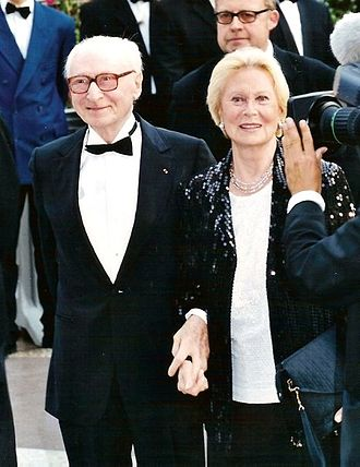 Gérard Oury - Gérard Oury with spouse Michèle Morgan at the Cannes Film Festival.