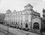 General Post Office and the Queen Street Railway Station, Auckland (20878199243).jpg