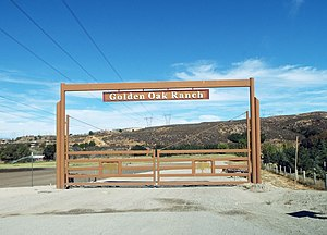 Movie ranch - Golden Oak Ranch entrance gate