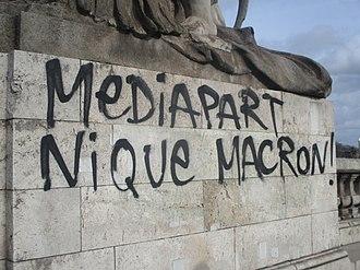 La liberté d'expression - Page 4 330px-Graffiti_Mediapart