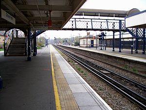 Grove Park railway station - Image: Grove Park 180408 D.adkins