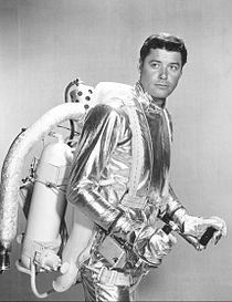 Guy Williams Lost in Space 1965.jpg