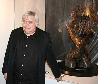 Species (film) - H. R. Giger with a Sil sculpture