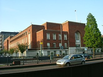 Metropolitan Borough of Hammersmith - Image: Hammersmith Town Hall in daylight geograph.org.uk 800796