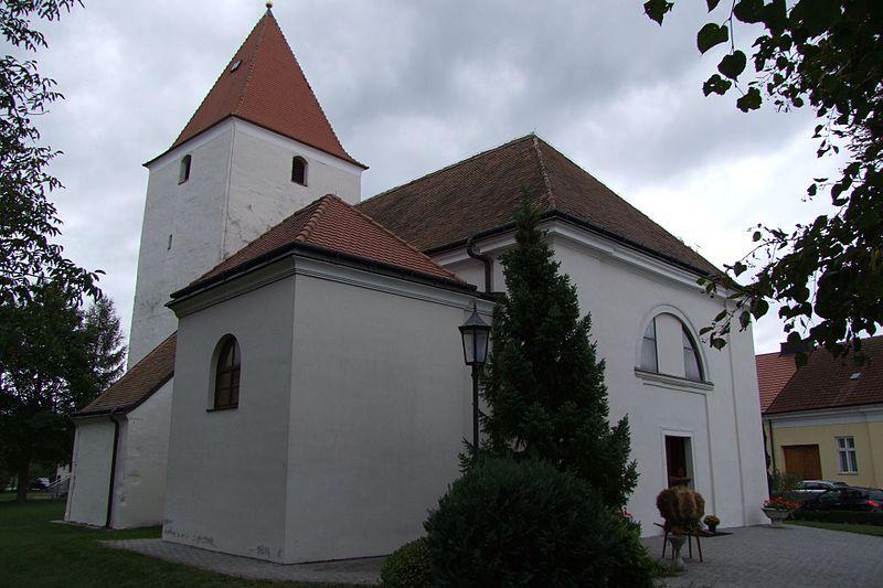 File:Haringsee Pfarrkirche.jpg