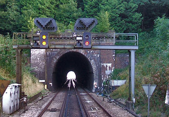Brighton main line - Normal running and 'Bi-directional' signal outside Haywards Heath Tunnel