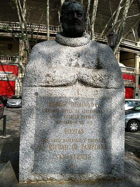 File:Hemingway monument.jpg