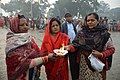 Hindu Devotees Pray To Ganga With Lighted Diya - Makar Sankranti Observance - Kolkata 2018-01-14 6854.JPG