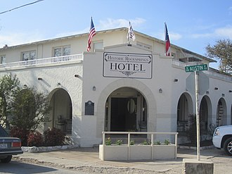 Rocksprings, Texas - Historic Rocksprings Hotel